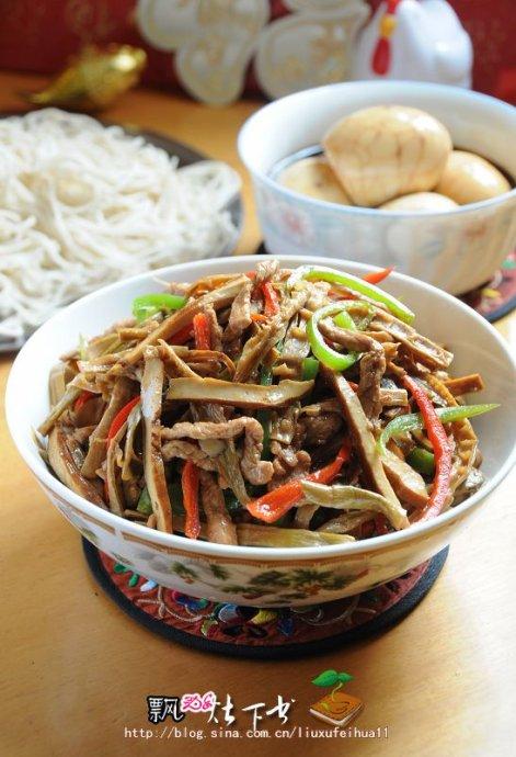 细说到徽州人家拜年必吃的一碗面----豆干茶笋肉丝面(茶蛋)