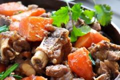 【胡萝卜烧羊腿】口味的准确调和是制作烧菜的首要环节!