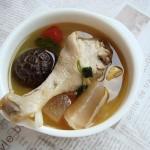 三個竅門自制一鍋酸爽開胃的川味名吃:酸蘿卜老鴨湯