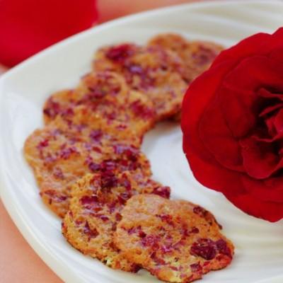 预热情人节——非传统口味的奶香玫瑰煎蛋饼(附玫瑰雪梨酱做法)