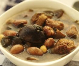 冬日慢炖美味素锅--松茸炖花生