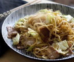 满口留香。好吃易做的日式炒面。