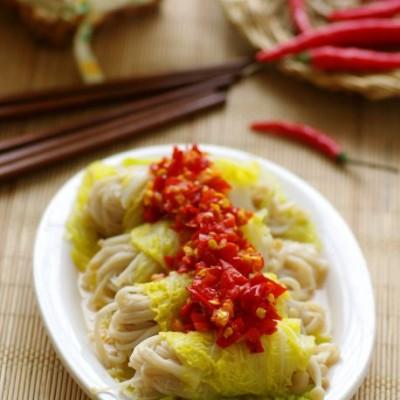 清淡食材的滋味吃法——清鲜不上火的剁椒金针卷