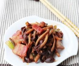 """在民间被誉为""""神菇""""的超滋味吃法——【茶树菇炒咸肉】"""