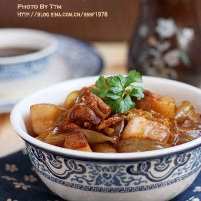 用正宗东北大拉皮做最经典东北菜酸菜猪肉炖粉条