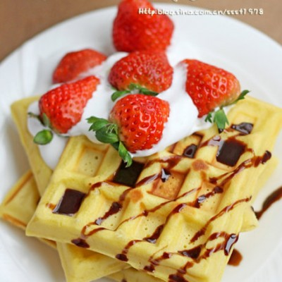 草莓季最甜蜜的格子诱惑草莓奶油华夫饼(电版)