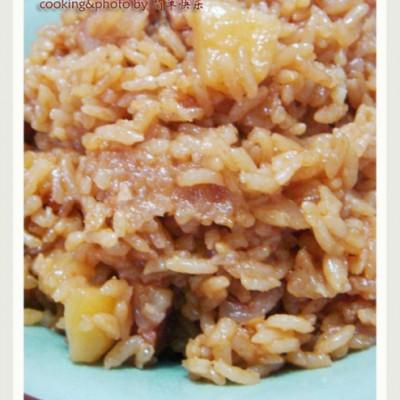 懒人一学就会的香喷喷米饭—土豆香肠焖饭