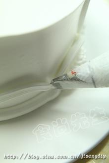 家庭简单花边制作,让蛋糕变得更加美丽——眷恋