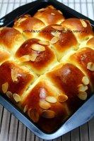 简单。一吃就上瘾的葡萄干早餐面包