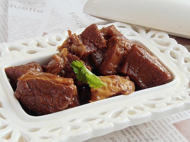 五个窍门轻松做出味美香浓的炖牛肉