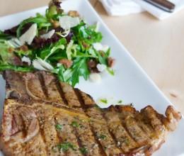 著名的T骨牛排肉长在牛的哪里T-boneSteak