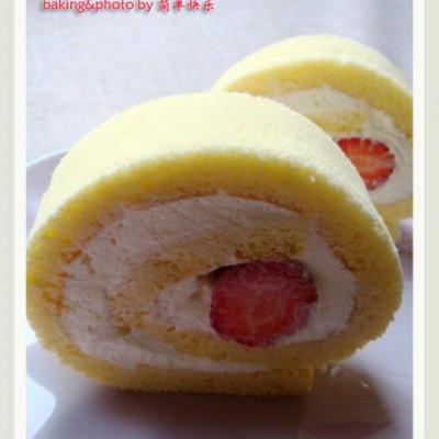 蛋黄经过乳化的分蛋海绵,组织更加细致—草莓蛋糕卷