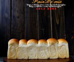 庞多米和花生酱面包(王传仁)