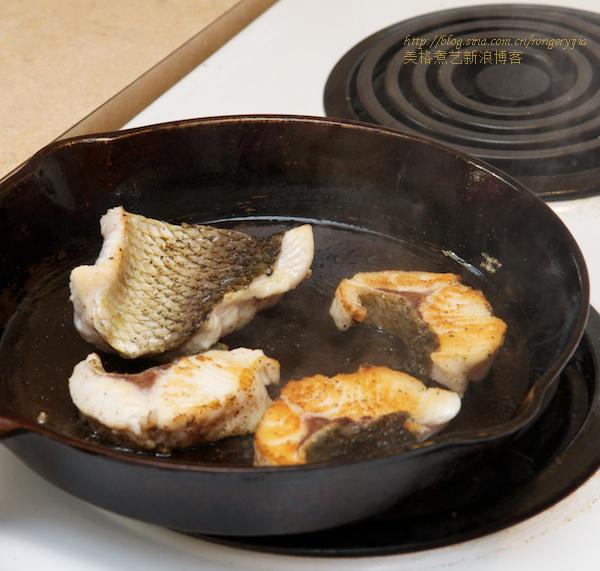 温度175是油炸熏鱼不粘锅的诀窍