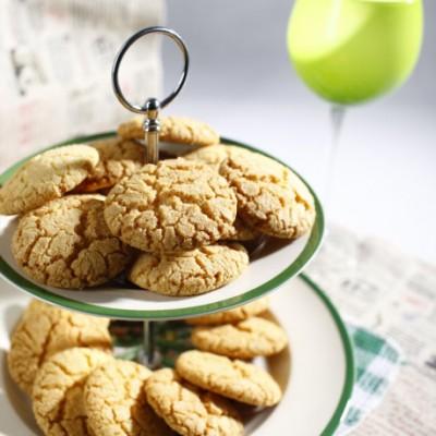 简单八部制作最为经典的椰香小饼——椰丝酥饼