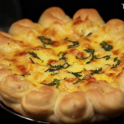 煮夫独创一款超赞的馄饨水果批萨