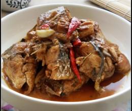 一勺豆瓣酱让厨房新手也能做出美味的鱼——酱烧梭鱼