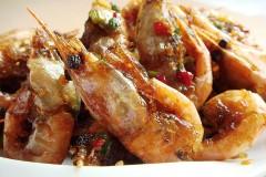 四步搞定风靡台湾的金牌小吃:蒜香椒盐北极虾