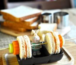 餐桌上的快手奥运早餐--番茄吐司夹心