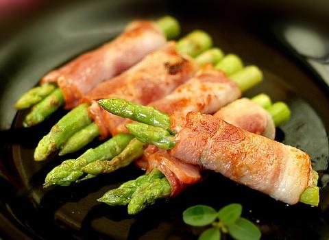 简单四步做出漂亮的宴客菜【培根芦笋卷】