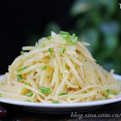 零厨艺自制特级味精做出五星级的酸辣土豆丝