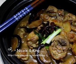 【冬菇焖鸡】大啖嫩嫩鸡腿肉&吸满酱汁的香菇!