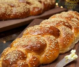 辫子面包为什么是六股-ChallahBread