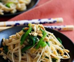 信手拈来的营养小菜:润肠排毒的凉拌金针菠菜