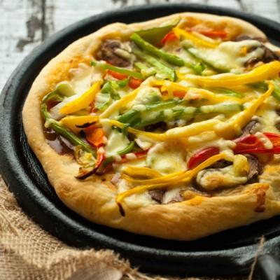 匹萨是打扫冰箱剩货的小资方法-----厚底匹萨