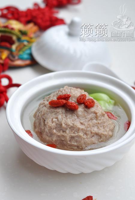 【枸杞鲜肉大丸子】好吃易做,汤菜合一的家常快手菜!