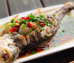 鱼的做法蒸为上---清蒸黄鱼