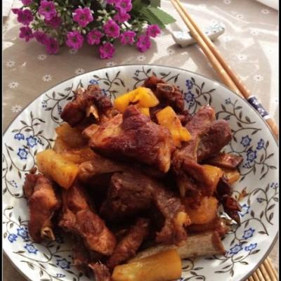 深受减肥女士喜欢的大肉菜——菠萝烧排骨