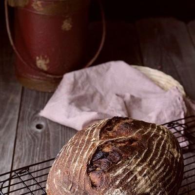 天然酵种茴香无花果榛仁黑麦欧包-风味大爆炸