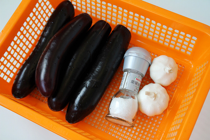 5个要点做夏季最清凉爽口的蒜泥茄子