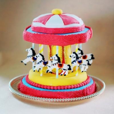 勾起所有人童年记忆的经典蛋糕---旋转木马翻糖蛋糕(六一节推荐)