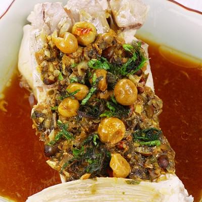 岭南黄皮的独特气度——山黄皮蒸鱼腩