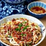 冬至饺子夏至面:家乡风味的凉拌鸡丝莜面