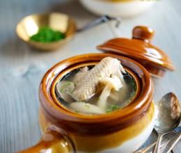 夏季清补的菌菇火腿乳鸽汤-PigeonSoup