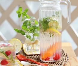 夏日的一丝清凉-提神醒脑的香草果蔬茶