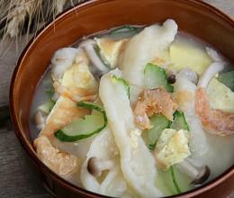 """入秋""""补心""""的简单面食——炝锅面鱼儿"""