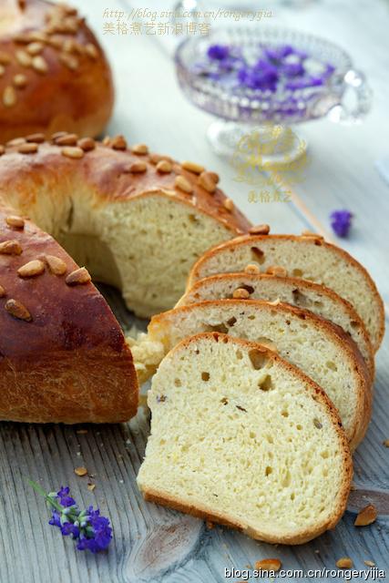 拍摄出美食的质感让薰衣草面包入画来