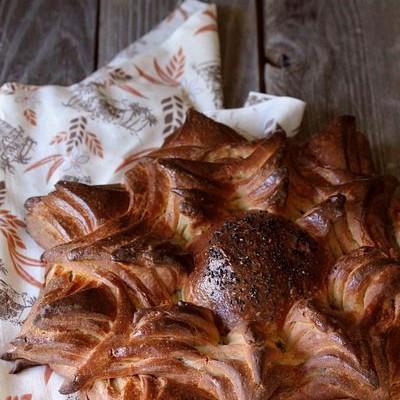 天然酵种黑麦花朵面包-怒放