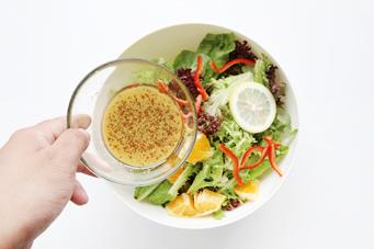 1分钟搞定味道十足的美式沙拉