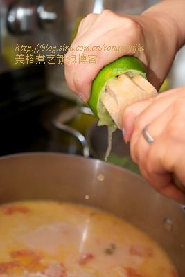 暹逻第一名吃酸辣惹味冬荫功浓汤TomYumGoong