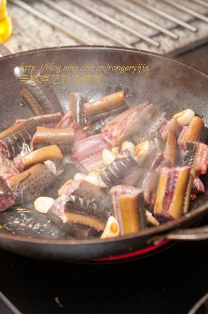 入冬时节的佳肴尖椒蒜粒烧鳝段