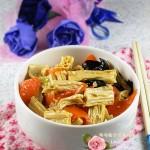 色泽金黄,口味鲜肥,软滑松糯的油焖腐竹