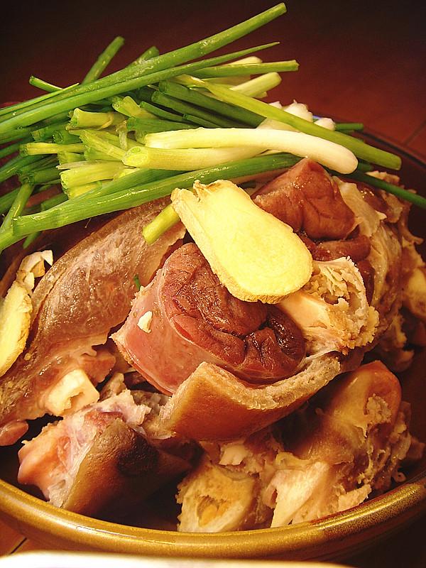 王熙凤给赵嬷嬷的一碗火腿炖肘子
