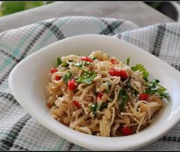 节后清理肠胃的爽口开胃菜——凉拌金针菇海蜇丝