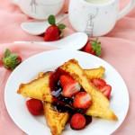 唤醒味蕾的温暖早餐:香甜法式水果面包