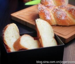 绵软浓香的----淡奶油辫子面包